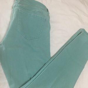 Women's size 4 cabi jeans
